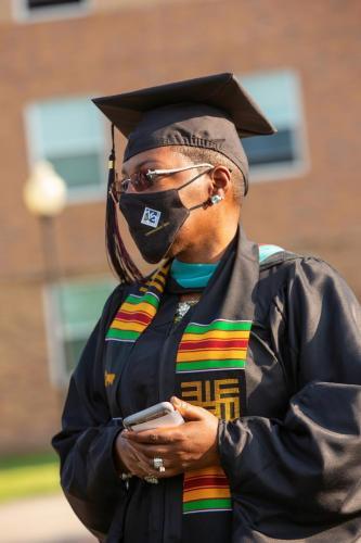 Commencement-Graduate-2021-003