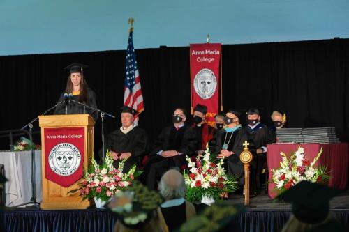 Commencement-Graduate-2021-016