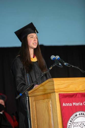 Commencement-Graduate-2021-017