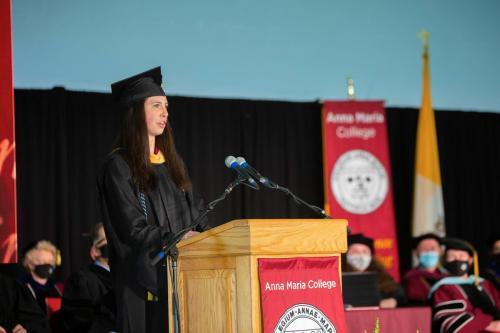 Commencement-Graduate-2021-018