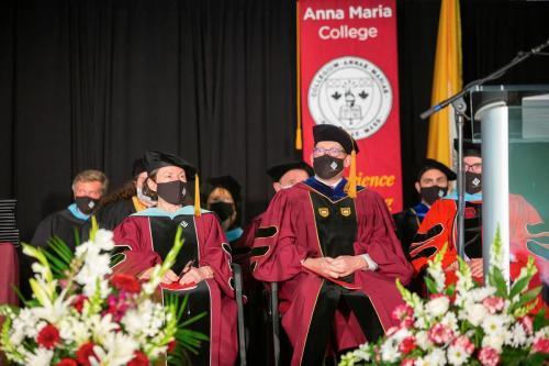 Commencement-Graduate-2021-020