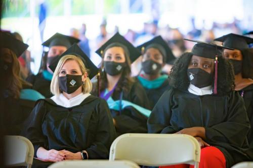 Commencement-Graduate-2021-026