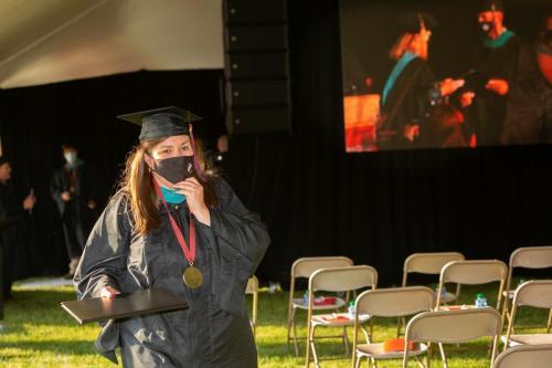 Commencement-Graduate-2021-032