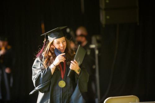 Commencement-Graduate-2021-033
