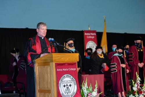 Commencement-Graduate-2021-037