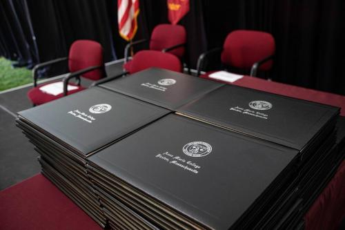 Commencement-Graduate-2021-047