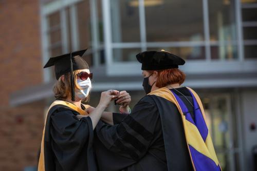 Commencement-Graduate-2021-060