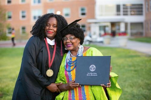 Commencement-Graduate-2021-081