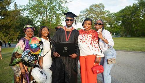 Commencement-Graduate-2021-083