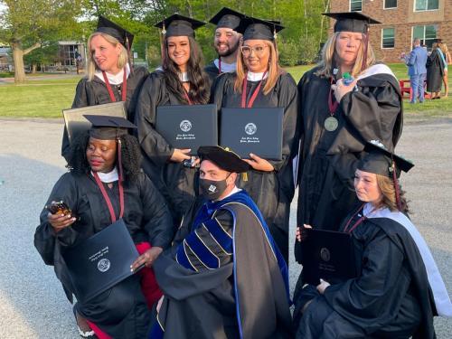 Commencement-Graduate-2021-099